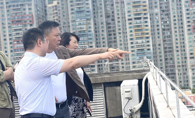 遵义市委副书记、市长黄伟一行莅临火狐体育官网集团参观考察